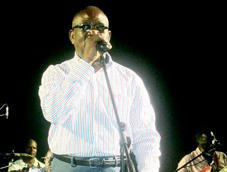 Santos Júnior recordou  o perfil artístico do seu amigo e companheiro de palco no Kissanguela