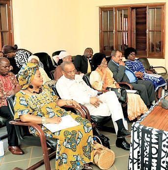 Deputados avaliaram a execução dos projectos do Governo no domínio social e económico