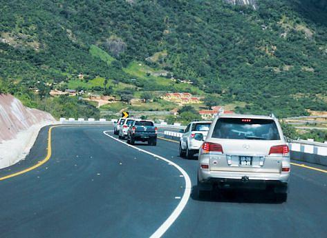 Partido maioritário vai continuar a executar projectos de construção e reabilitação de estradas para melhorar a vida dos cidadãos