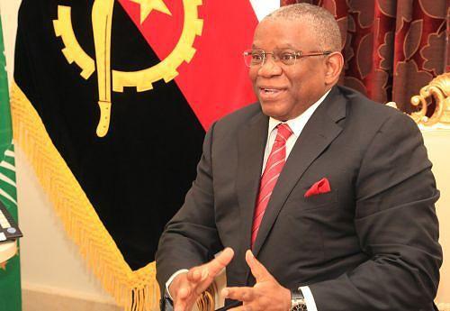 George Chikoti quando discursava perante vários embaixadores acreditados em Angola