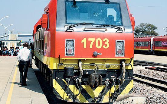 Benefícios do comboio para a população do Centro e Leste do país são visíveis na circulação de pessoas e bens da cidade para o campo e vice-versa
