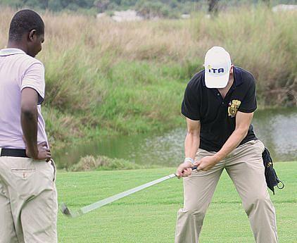 Novos campos  de golfe trazem mais turistas  ao país