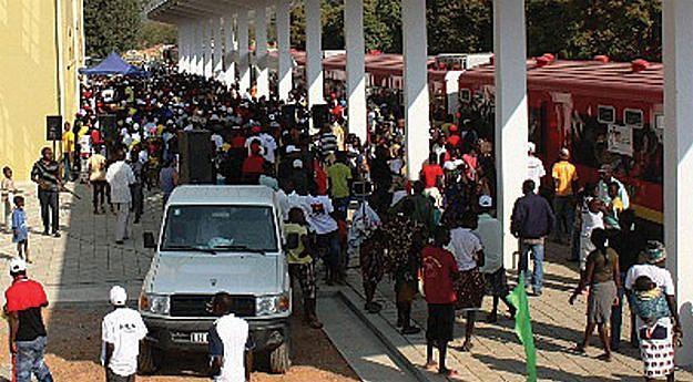 Mais de um milhão de passageiros foram transportados pelas locomotivas do Caminho de Ferro de Moçâmedes (CFM)