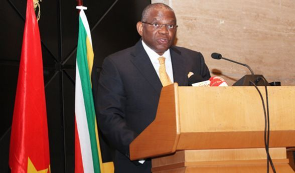 Georges Chikoti critica posição de Bruxelas
