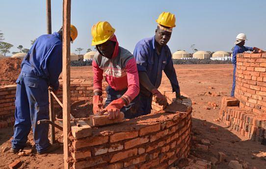 Centenas de jovens com este projecto conseguiram o seu primeiro emprego que tem servido como fonte de sustento para as suas famílias