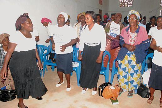 A conferência foi marcada com orações e cânticos de louvor a Deus
