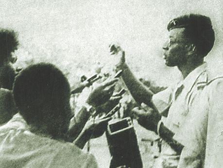 O alferes Américo Júlio de Carvalho usando da palavra no levantamento militar