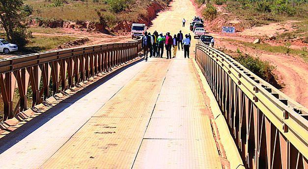 Governo Provincial da Huíla quer ver estradas reabilitadas