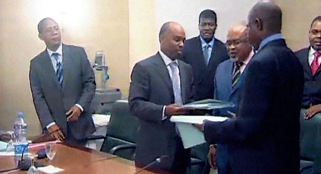 Acontecimento histórico que capta o momento em que foi  rubricado em Brazzaville o texto do Memorando