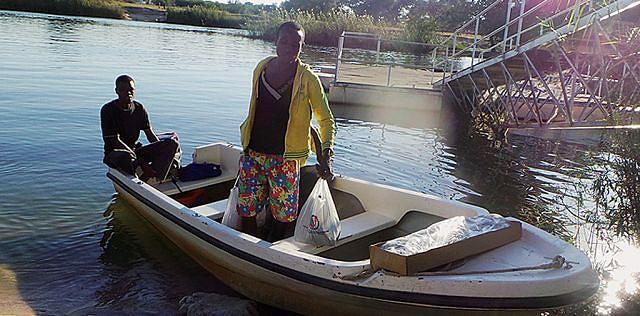 Negócio de barcos proliferam com a vinda de turistas namibianos