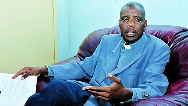 Coordenador da Igreja Católica padre António Dumba