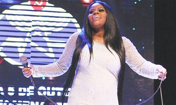 Cantora Ary é a voz feminina que mais títulos conquistou no concurso de música da Rádio Nacional de Angola