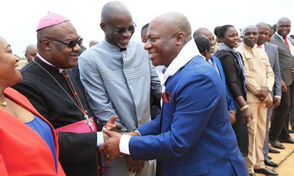 Bispo pede transparência na gestão governativa