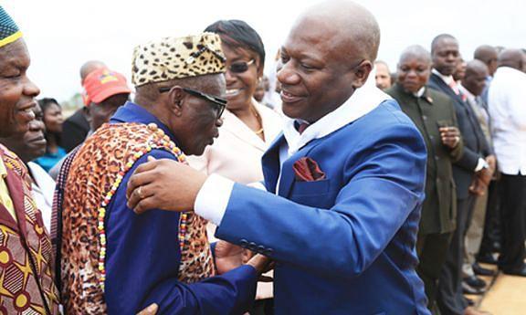Momento de alegria pela reeleição do governador do Zaire onde a aposta é a materialização das estratégias preconizadas durante a tomada de posse do Presidente da República