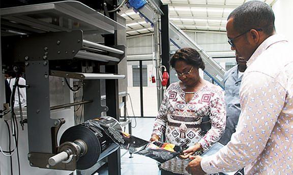 A ministra da Indústria Bernarda Martins fez uma visita recentemente a várias fábricas do país