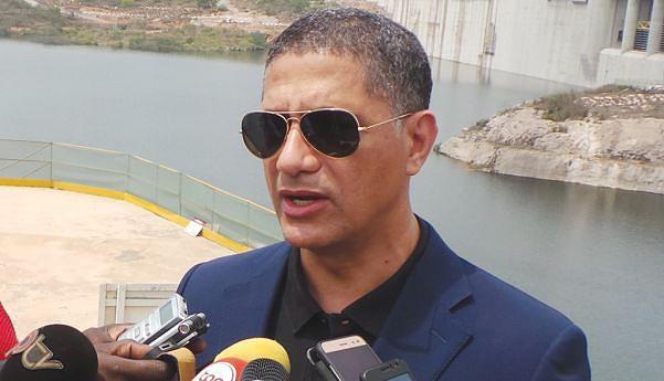 Ministro João Baptista Borges continua atento com o andamento das obras de Laúca