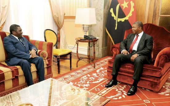 Encontro entre o Chefe de Estado e Isaías Samakuva serviu também para falar da desmobilização dos ex-militares das extintas forças militares da UNITA