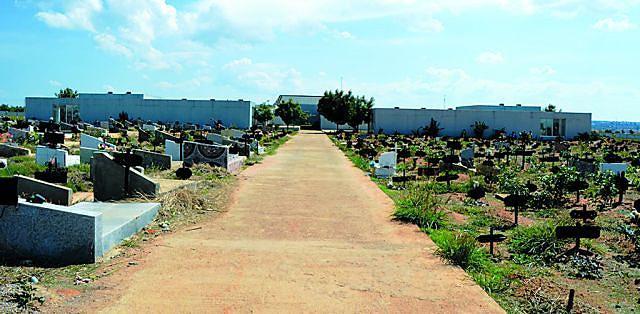 Cemitério municipal está preparado para funerais condignos