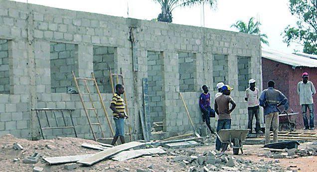 Devido  aos preços muitos desistem das obras de construção