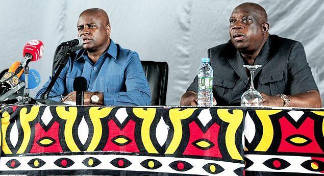 Ministro do Interior eo governador provincial de Luanda ouviram as preocupações da população