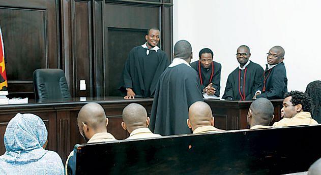 Advogados de defesa pedem a absolvição de todos os réus