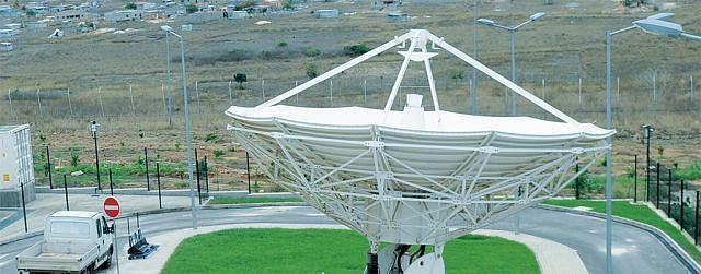 Com o lançamento do primeiro  satélite, o país vai ganhar mais uma infra-estrutura para servir à  população