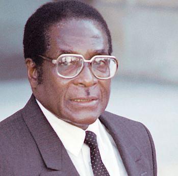 Carta assinada por Mugabe e enviada ao Parlamento contempla garantias de segurança para o agora ex-Presidente zimbabweano e sua família