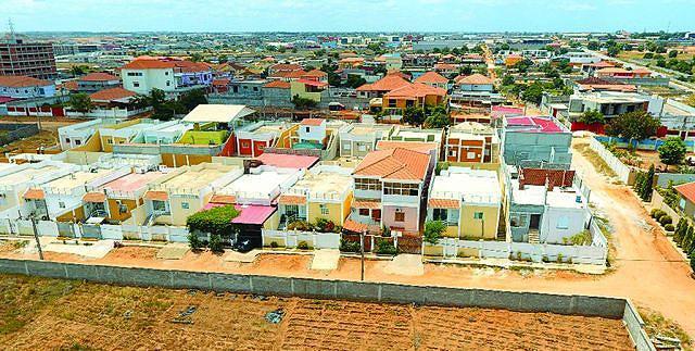 Vista de um lote de casas construídas pela empresa Jefran