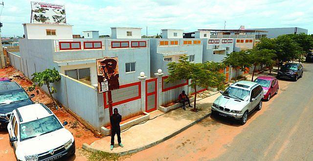 Tipologia de casas erguidas no bairro do Benfica, em Luanda