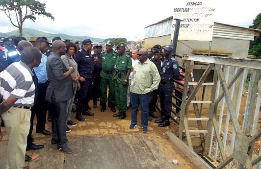 Comandante-geral da Polícia promete reorganizar o posto fronteiriço do Luvo