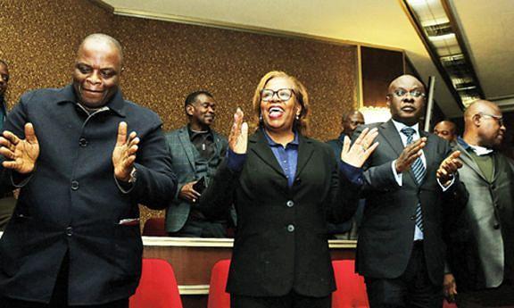 Delegação angolana encabeçada pelo ministro de Estado para a Política Económica e Social, Manuel Nunes Júnior festejou com júbilo, em Moscovo, o lançamento do primeiro do Angosat-1