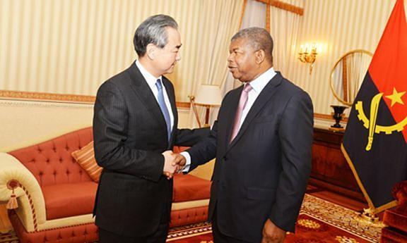 Ministro chinês dos Negócios Estrangeiros, Wang Yi, foi ontem ao Palácio da Cidade Alta