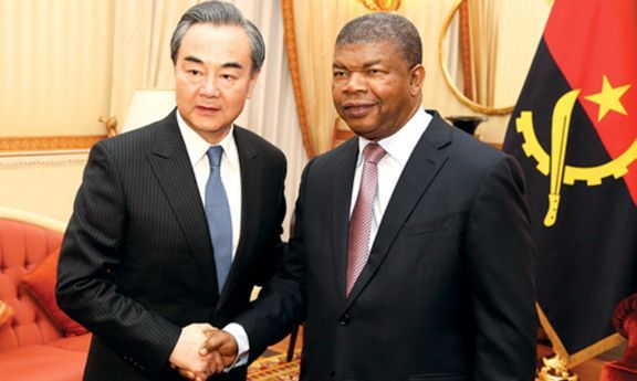 Chefe da diplomacia chinesa garantiu ontem ao Presidente João Lourenço a abertura de novos financiamentos