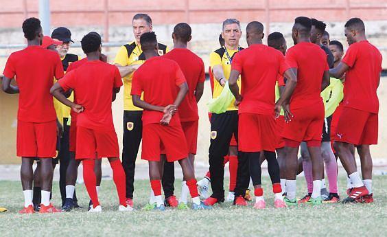 Palancas  Negras em protidão para começar a competir no CHAN do Marrocos onde  estreia hoje frente ao Burquina Faso no Etádio Adrar em Agadir