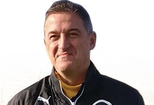 O técnico Srdjan Vaseljevic