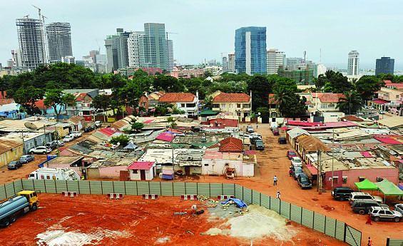 Bairro operário é um dos mais emblemáticos de Luanda e dela Dionísio Rocha guarda boas memórias