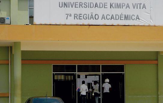 Universidade pretende evoluir para uma instituição inovadora, de aproximação às comunidades e de fixação de quadros