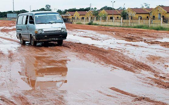Vias em mau estado são barreira ao desenvolvimento económico e a aproximação entre o campo e centros urbanos