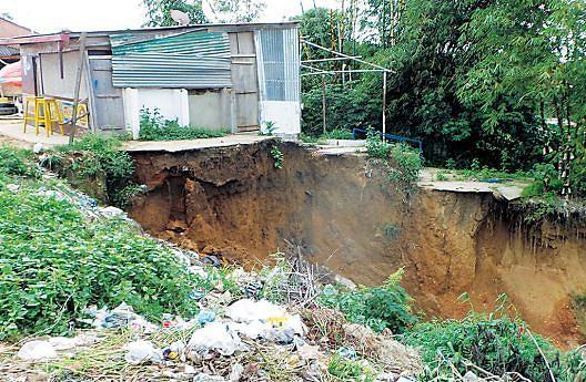 Ravinas são outra preocupação das autoridades municipais
