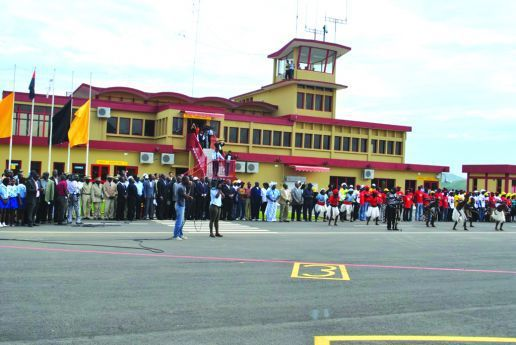 A infra-estrutura aeroportuária de Ndalatando recebe poucas aeronaves, o que em nada abona o investimento feito pelo Governo angolano