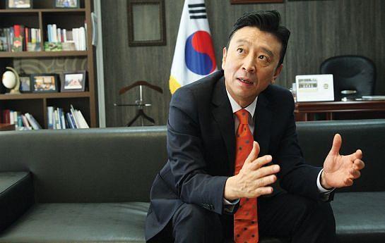 Embaixador Kim Dong-Chan afirma que o seu Governo ofereceu à Coreia do Norte a escolha de uma agenda alargada