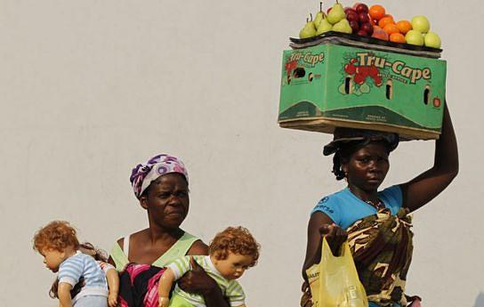 As mulheres representam mais de metade da população angolana e têm papel crucial na sustentação dos agregados familiares