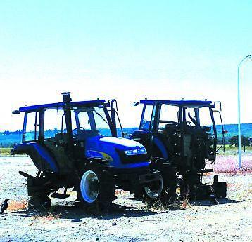 No Longa, dos 29 tractores com pneus que há, apenas 12 funcionam