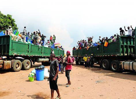 Imigrantes ilegais saem livremente do país transportados em camiões ou carrinhas até a fronteira com a RDC que dista cerca de sete quilómetros da cidade do Dundo, na Lunda-Norte