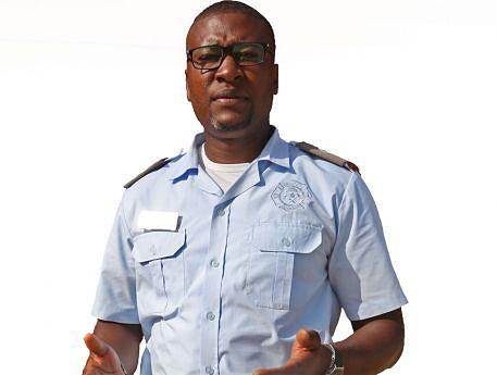 Porta-voz  em Luanda  do Serviço  de Protecção Civil e Bombeiros, Faustino Minguêns