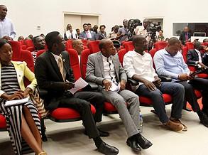 EUA oferece bolsas de estudos para jovens líderes angolanos