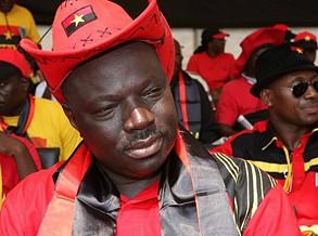 Bento Kangamba enaltece realização de projectos sociais no Cazenga