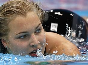 Campeã olímpica e mundial de natação termina carreira aos 22 anos