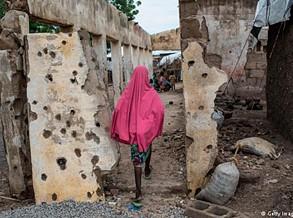 Exército nigeriano resgata 76 estudantes raptadas pelo Boko Haram