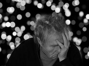 Cientistas brasileiros descobrem maneira de deter o mal de Alzheimer
